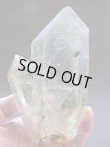 キャビネットサイズ:スカルドゥ産ライトシトリン水晶ポイント656g